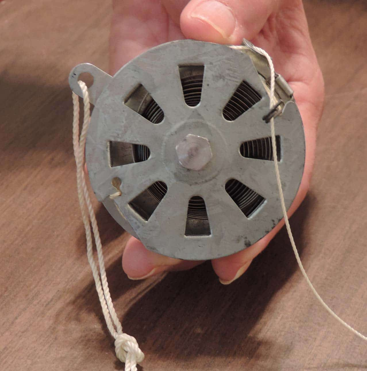 Yoyo Fishing Reels Can Be Used For Fishing Snares Or Warning Devices