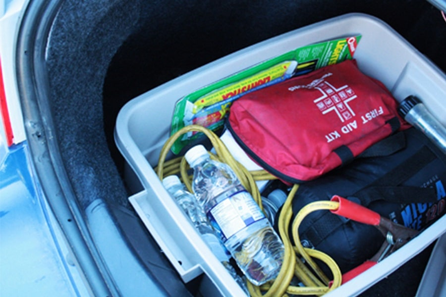 Top 16 Items To Keep In Your Car In Case Of An Earthquake