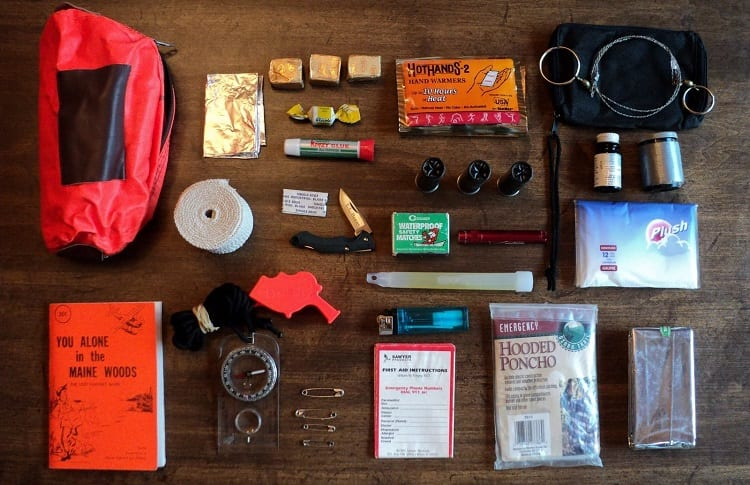 WHAT IS IN A SURVIVAL KIT?
