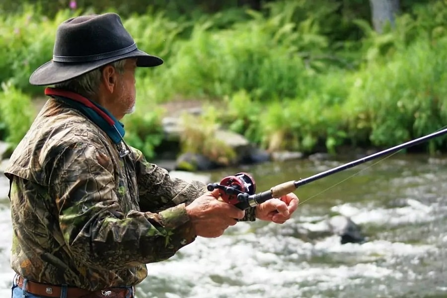 Guide To Survival Fishing